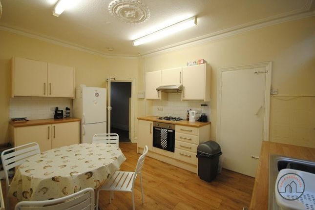 Thumbnail Terraced house to rent in 1 Thornville Crescent, Hyde Park