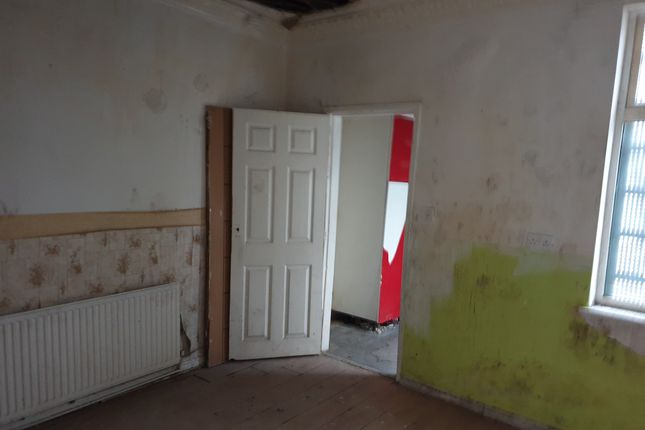 19 Hollowgate, Rotherham, South Yorkshire, S60 2Le  (3)