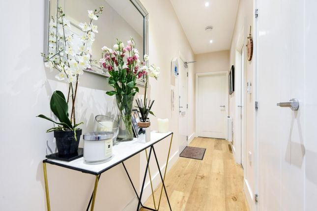 Thumbnail Flat for sale in Upper Charles Street, Camberley