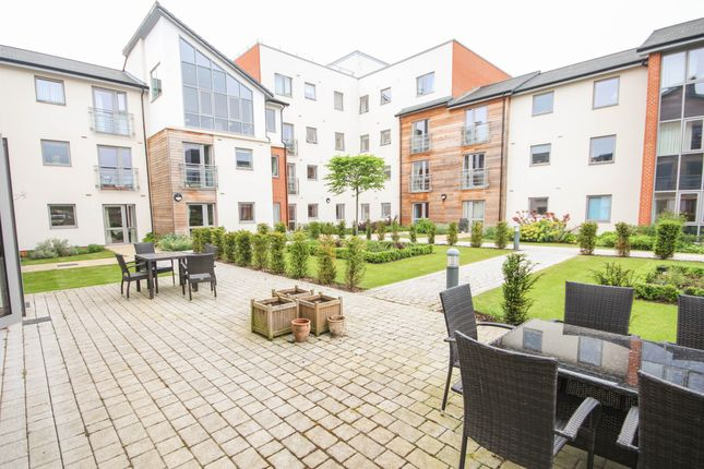 Thumbnail Flat to rent in Kings Place, Fleet