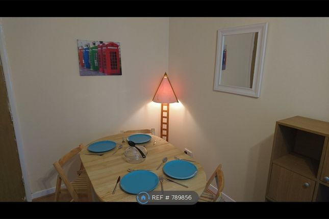 Dining Table of Albion Gate, Glasgow G1