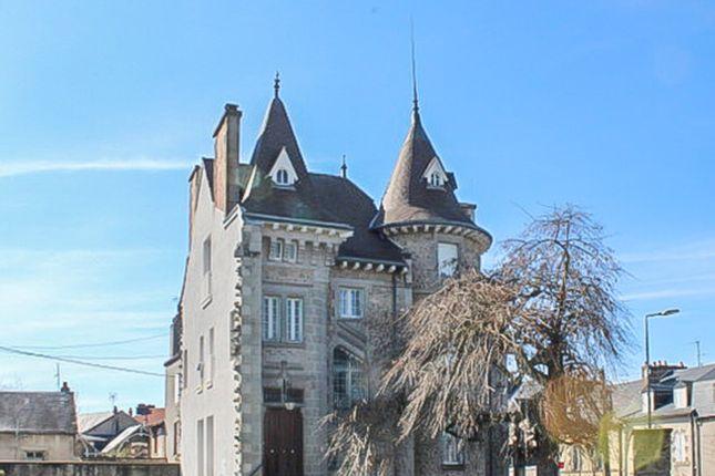 Thumbnail Château for sale in Gueret, Creuse, Nouvelle-Aquitaine