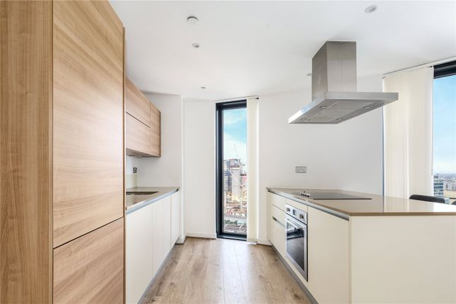 3 bed flat for sale in Unex Tower, 7 Station Street, London E15