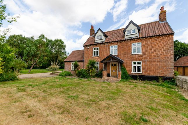 Thumbnail Farmhouse to rent in Wattlefield, Wymondham