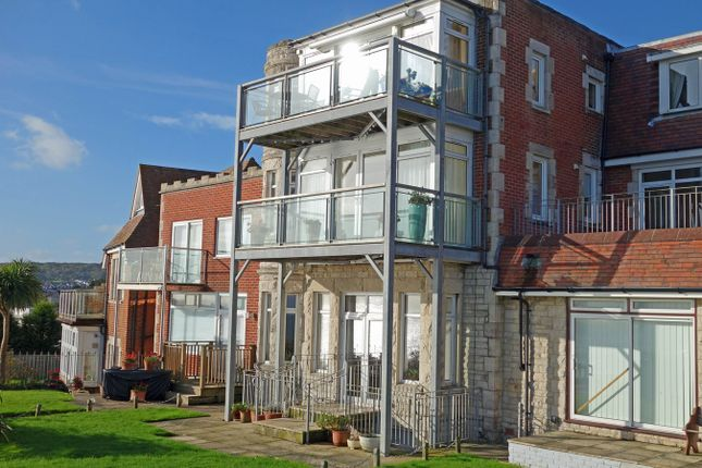 Property For Sale Highcliffe Mews