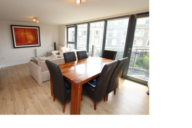 Thumbnail Flat to rent in Barossa Place, Bristol