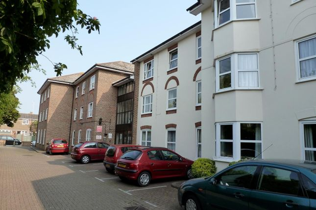 Thumbnail Flat to rent in Norfolk Road, Littlehampton