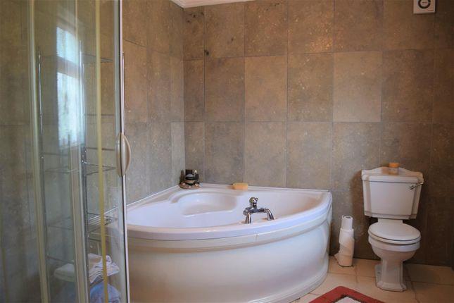 Bathroom of Maltkiln Lane, Elsham, Brigg DN20