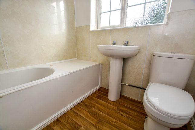 Bathroom of Scawby Road, Scawby Brook, Brigg DN20