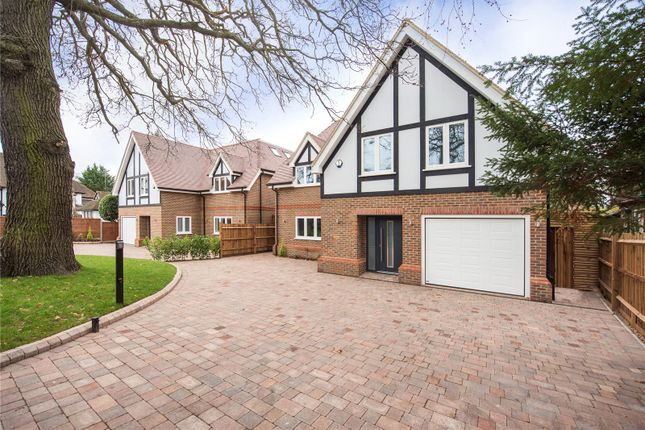 Thumbnail Detached house for sale in Hempstead Road, Watford, Hertfordshire