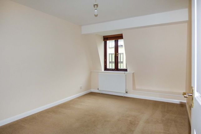 Bedroom 1 of Caxton Court, Bath City Centre BA2