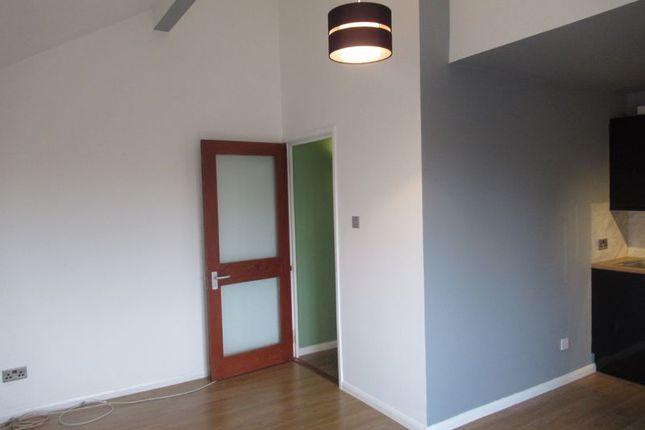 Living Room of Hillcrest Avenue, Cumbernauld, Glasgow G67