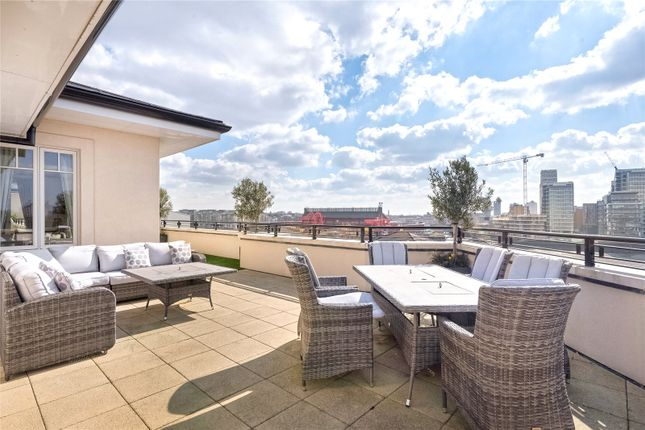 Thumbnail Flat for sale in Higham House West, 102 Carnwath Road, Fulham, London
