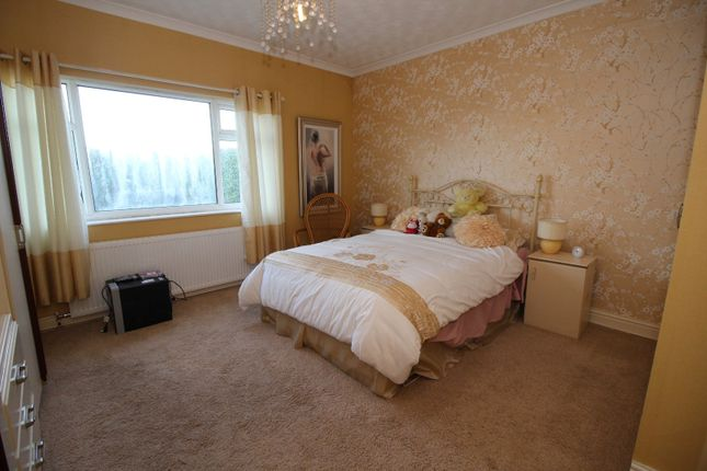 Picture No. 11 of Rawfield Lane, Fairburn, Knottingley, North Yorkshire WF11