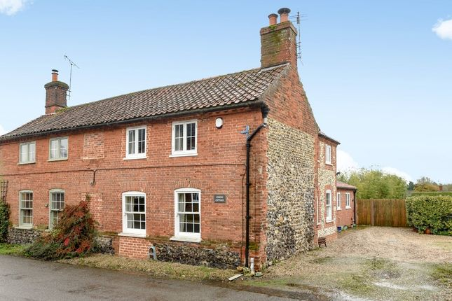 Thumbnail Cottage for sale in Front Street, Litcham, King's Lynn