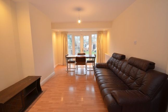 Thumbnail Semi-detached house to rent in Connaught Road, Sutton
