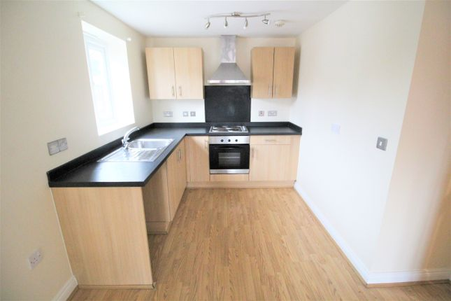 Thumbnail Flat to rent in 63 Whalley Road, Middleton
