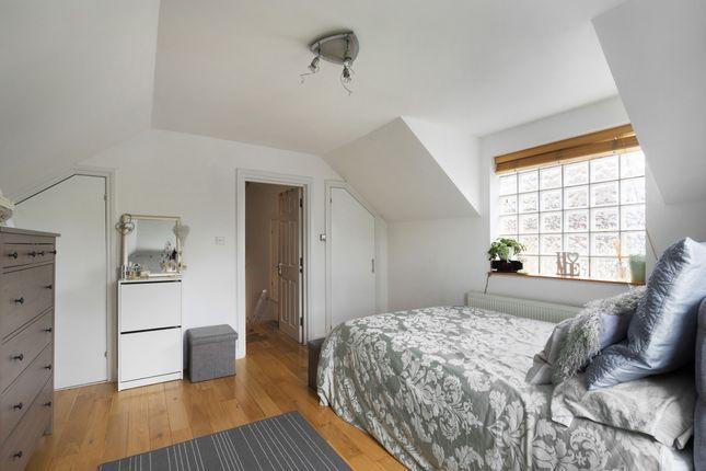 Bedroom of Eardley Road, London SW16