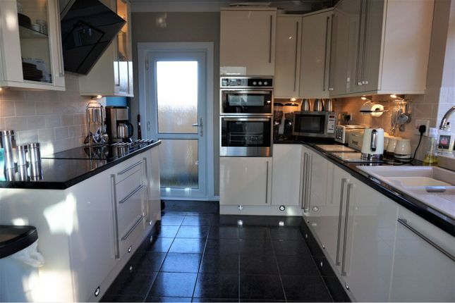 Kitchen of Wycombe Way, Luton LU3