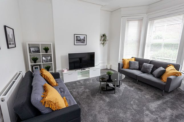 Thumbnail Flat to rent in Victoria Terrace, Manchester