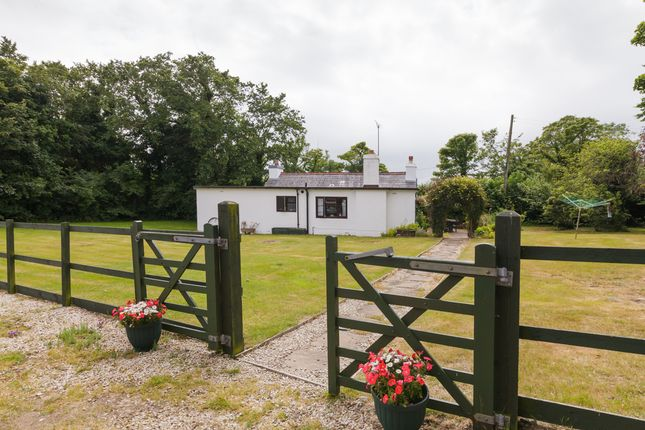 Thumbnail Cottage for sale in Rhendhoo Road, Jurby, Isle Of Man