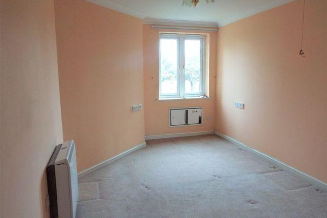 Bedroom of Grangeside Court, Brabourne Gardens, North Shields NE29