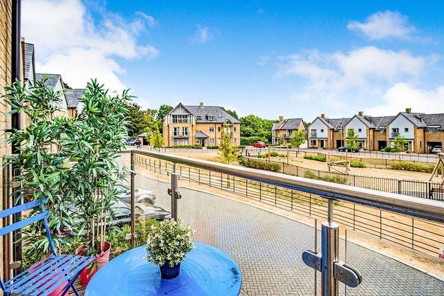 Thumbnail Semi-detached house to rent in Kingcup Avenue, Leverstock Green, Hemel Hempstead