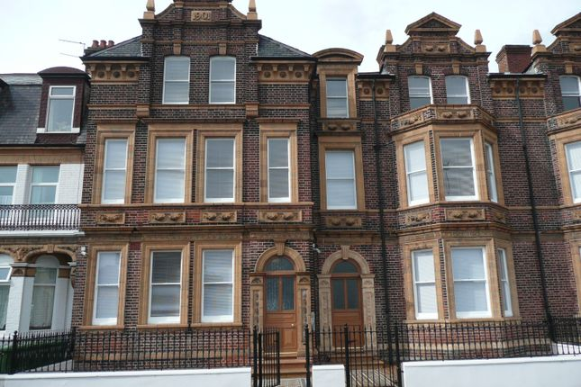Thumbnail Flat to rent in Sandown Road, Great Yarmouth