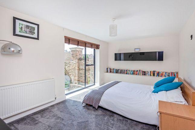 Bedroom of 2A Honor Oak Rise, London SE23