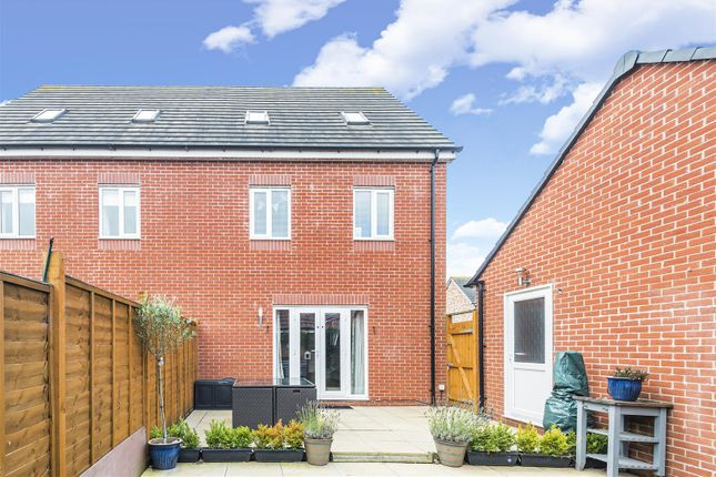 527014 (14) of Astoria Drive, Bannerbrook, Coventry CV4