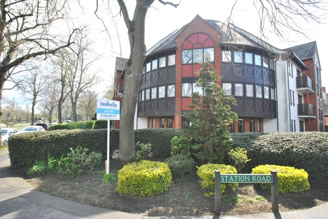 Thumbnail Flat to rent in Norton Way South, Letchworth Garden City