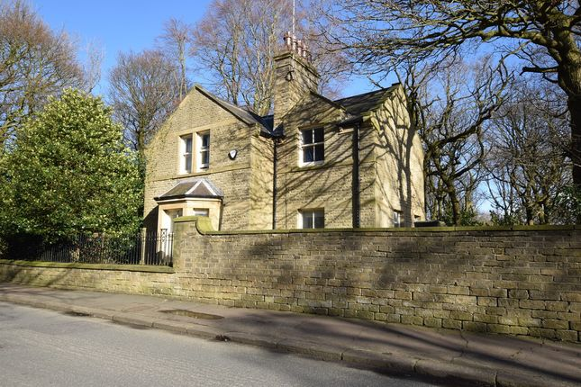 Thumbnail Detached house to rent in Reinwood Road, Lindley, Huddersfield