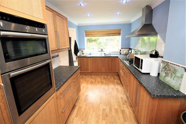 Fitted Kitchen of Kenmara Close, Crawley RH10