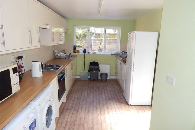 Thumbnail Room to rent in 20 Devizes Road, Salisbury, Wiltshire