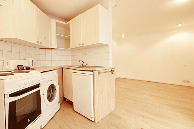 Thumbnail Property to rent in Brookhill Road, New Barnet, Barnet