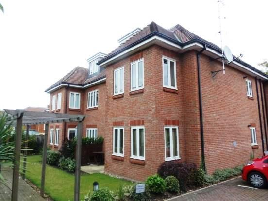 Thumbnail Flat to rent in Lime Court, Garlands Road, Leatherhead, Surrey