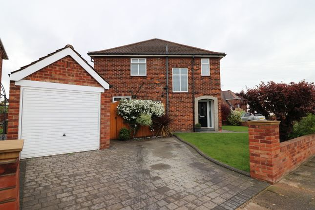 Thumbnail 4 bed semi-detached house for sale in Roundway, Grimsby