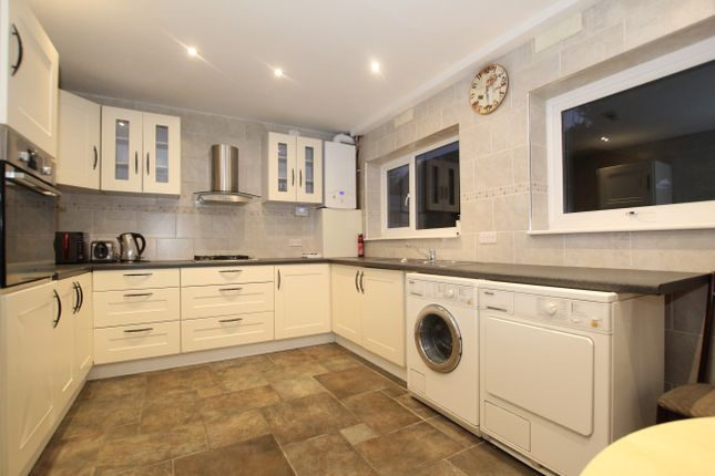 Thumbnail Semi-detached house to rent in Lee View, Enfield