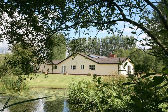 Thumbnail Detached bungalow for sale in Shillingford, Tiverton