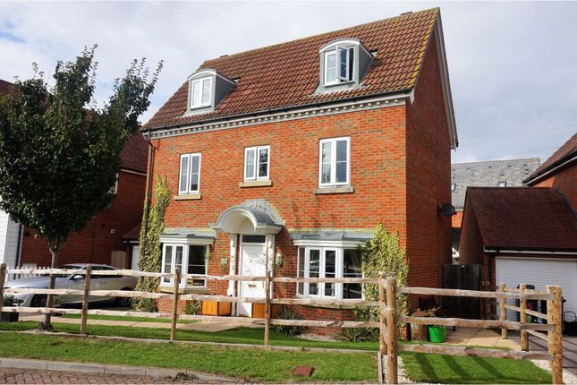 Thumbnail Detached house for sale in Hedgers Way, Ashford