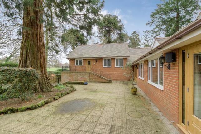 Picture No.38 of Plantation Road, Leighton Buzzard, Bedfordshire LU7