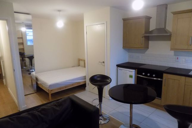 Lounge/Bed of Cheapside, Bradford BD1