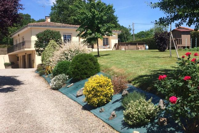 3 bed detached house for sale in Poitou-Charentes, Charente, Confolens