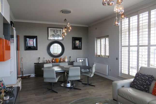 Thumbnail Penthouse for sale in Gisors Road, Southsea