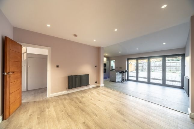 Thumbnail Terraced house to rent in Garden Avenue, Mitcham