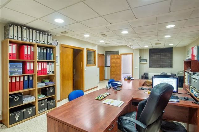 Thumbnail Office for sale in Marbella, Málaga, Andalusia, Spain