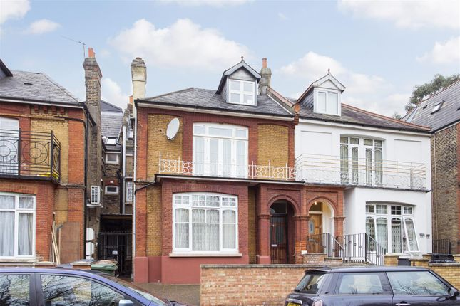 Thumbnail Terraced house for sale in West Bank, London