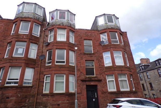 Thumbnail Flat to rent in Mount Pleasant Street, Greenock