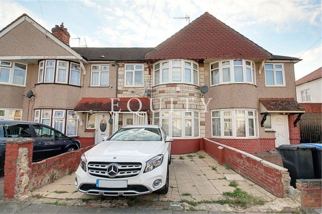 Thumbnail Terraced house for sale in Stedmundsroad, London
