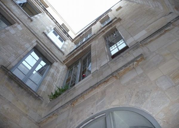 2 bed apartment for sale in 33000, Bordeaux, Fr
